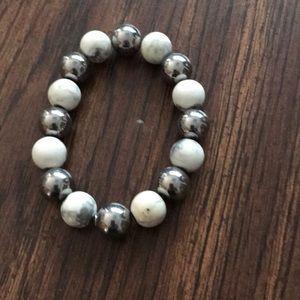 Jewelry - Ladies howlite stone stretch bracelet